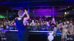 Herobust Clapping